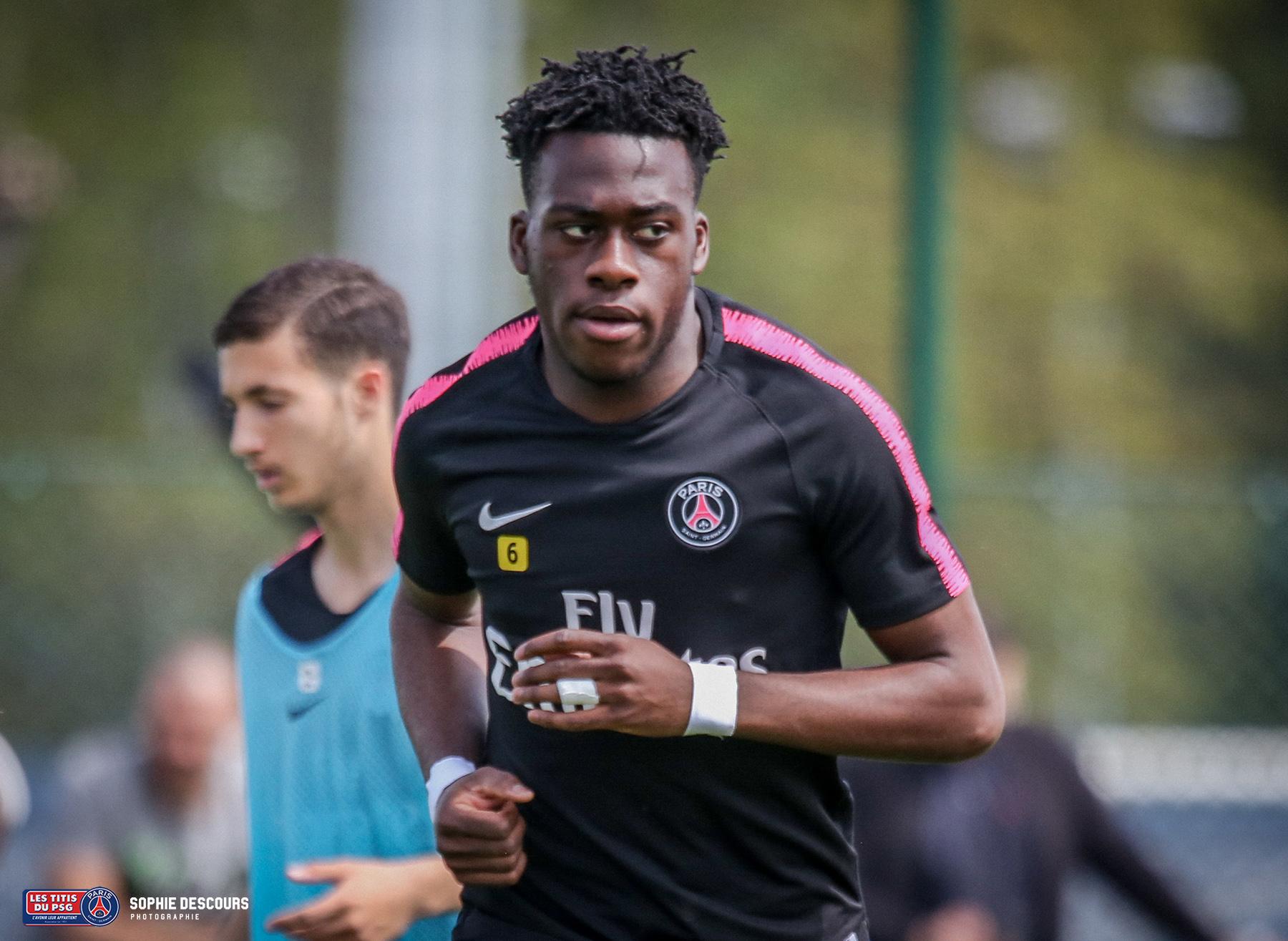 Arnaud Kalimuendomuinga pendant le match PSG-LOSC le 21/04/2019