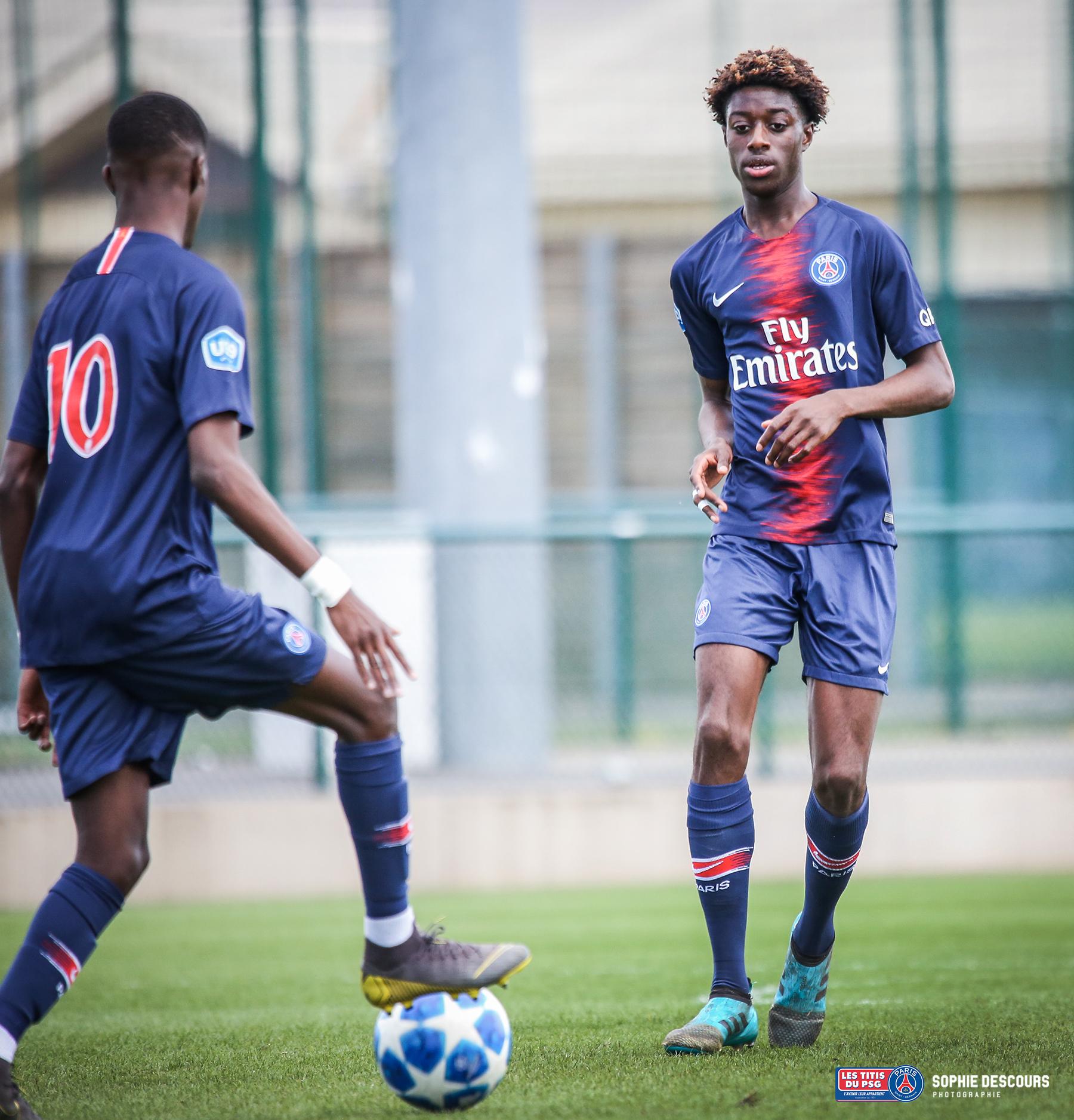 Curtis Fiawoo Niels défenseur U19 pendant Psg-US Boulogne