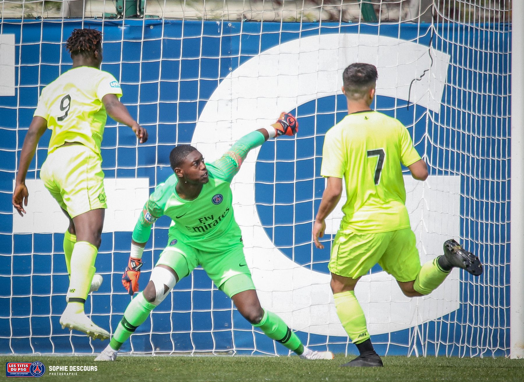 Garrissone Innocent gardien U19 pendant le match PSG-LOSC