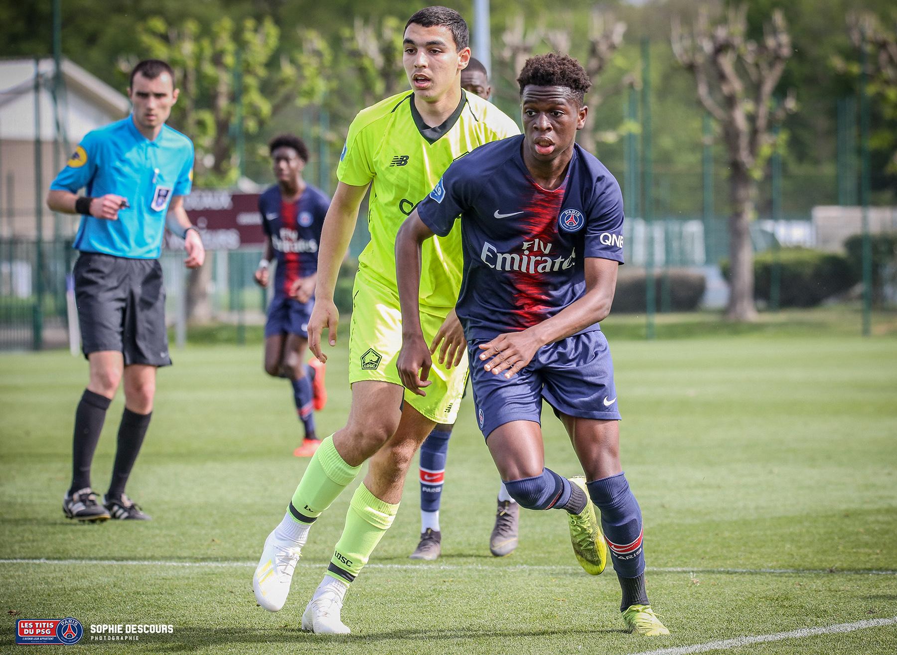 Romaric Yapi arrière droit U19 pendant le match PSG-LOSC le 21/04/2019